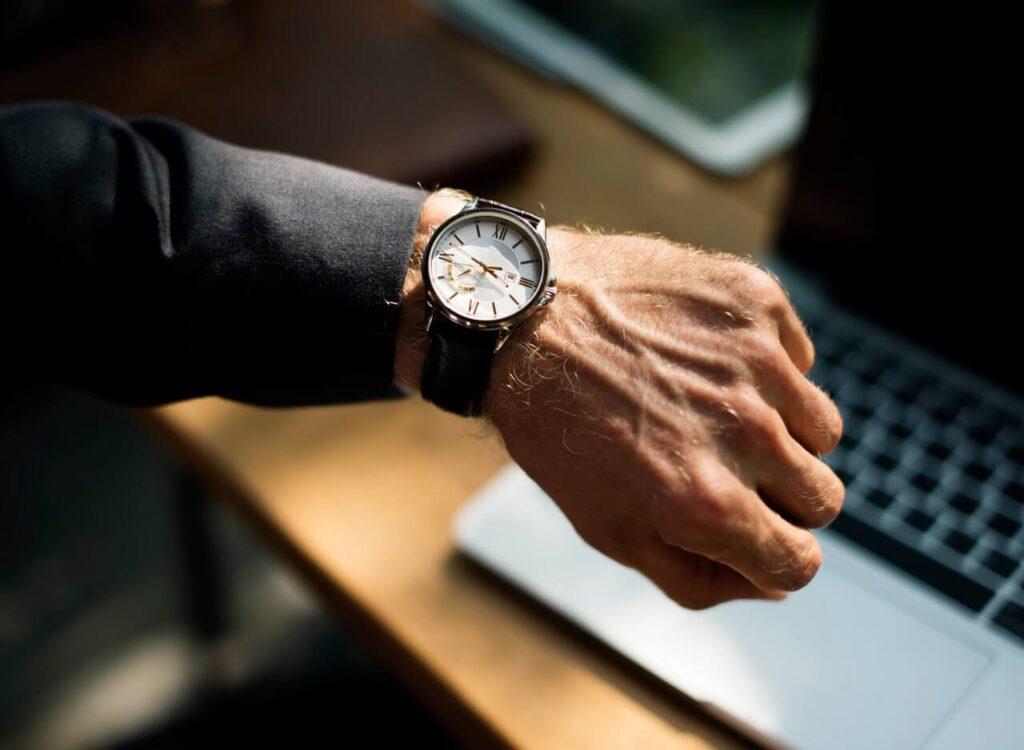 Advantages of Having a Stylish a Wrist Watch